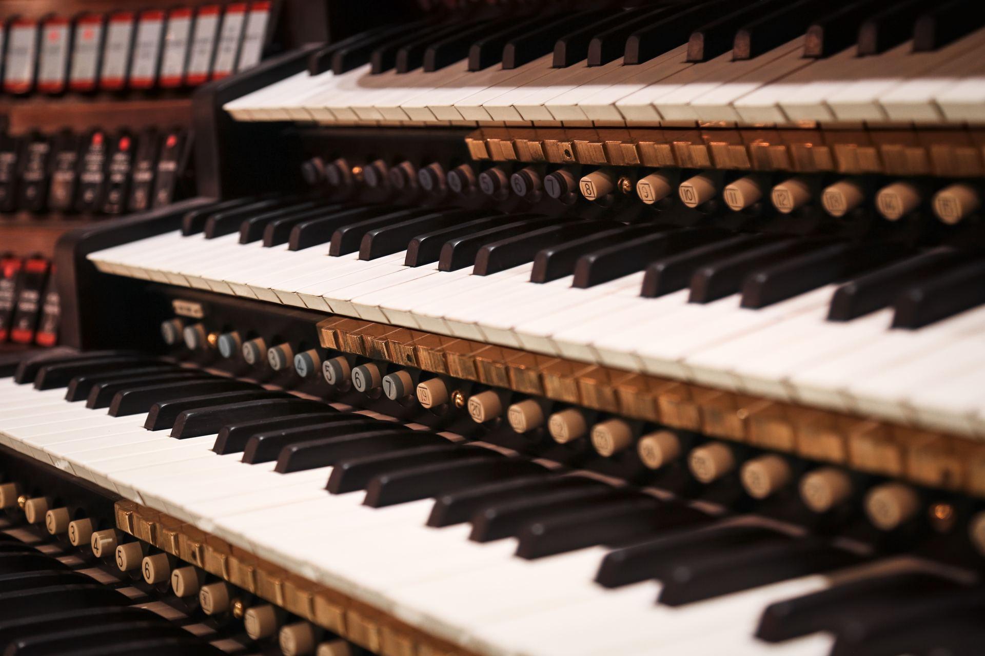 Hypnotisören på klaviatur